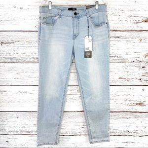 1822 Heritage Denim light wash ankle skinny jean